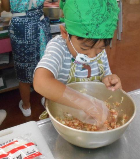 夏休み親子料理教室(2)